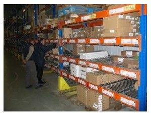 Convoyeur à rouleaux pour stockage dynamique de cartons dans vos rack palettes